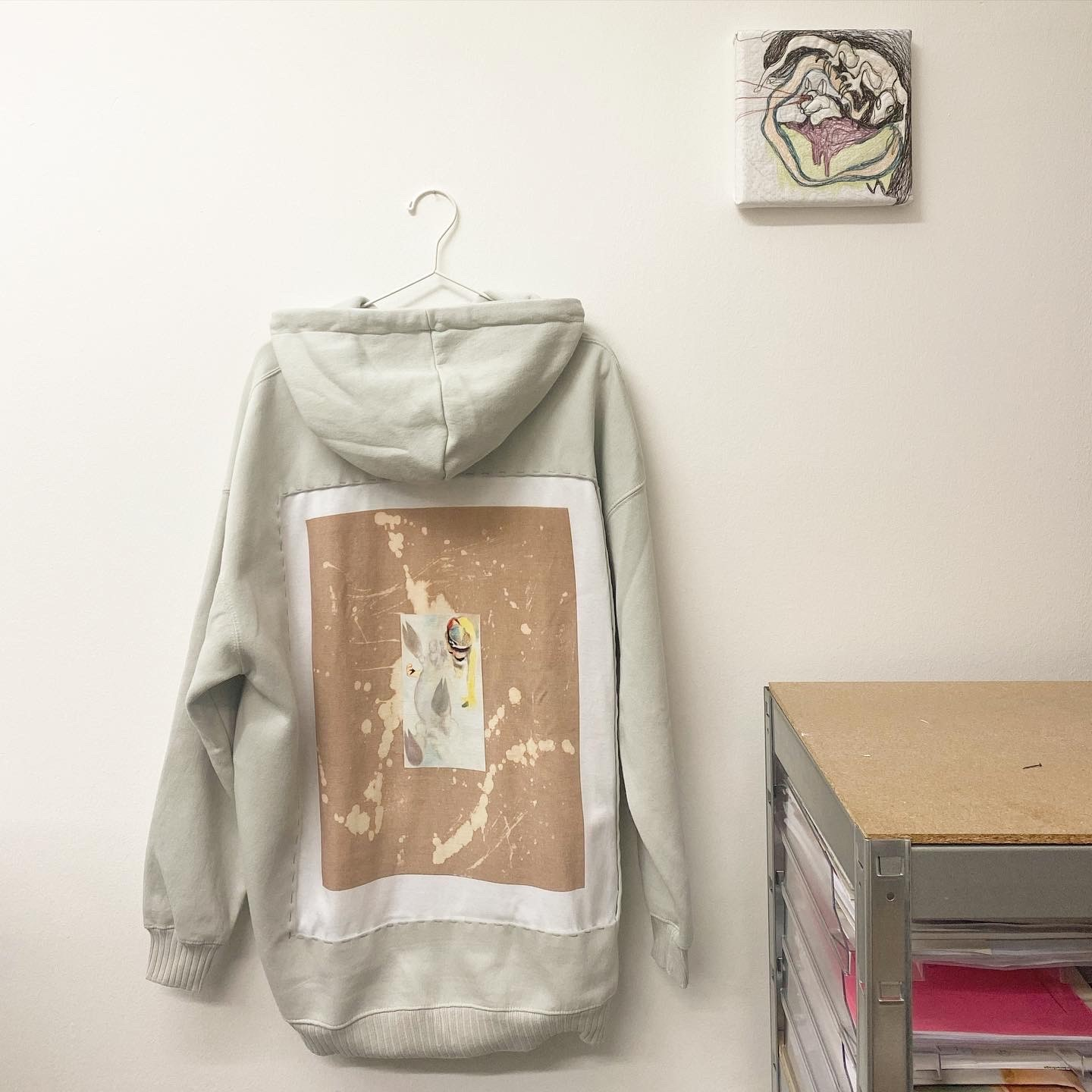 AddLabel: Twin Hoodies – Is D&G the same as Dolce & Gabbana? / Alison Yip
